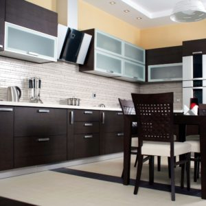 Crno bela kuhinja