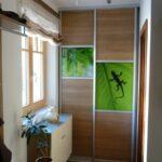 Drsna vrata na omari v predsobi