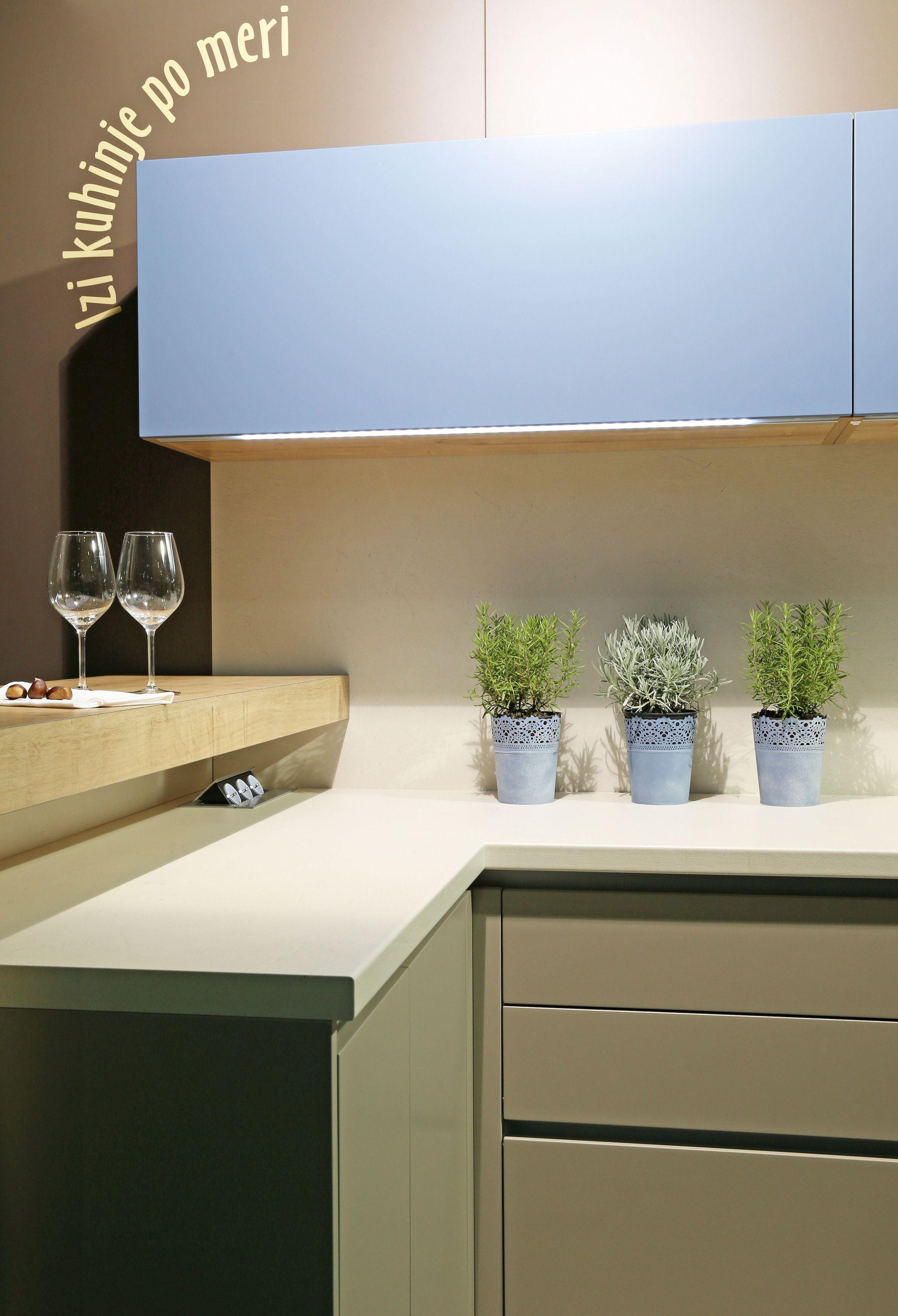 kuhinje po meri in kuhinjsko pohi tvo najvi je kvalitete izi mobili. Black Bedroom Furniture Sets. Home Design Ideas