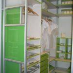 Kvalitetne komponente garderobne omare