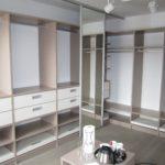 Montaza garderobnih omar sob