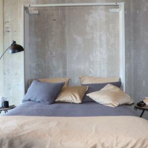 omarna postelja s sedežno garnituro - odprto ležišče