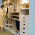 Prostorna garderobna omara