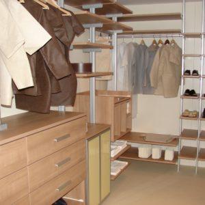 Stojalo za obleke in cevlje